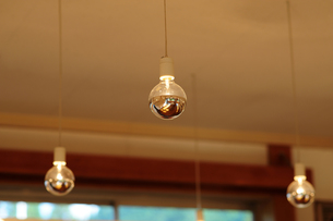 裸電球-12の写真素材 [FYI00316700]