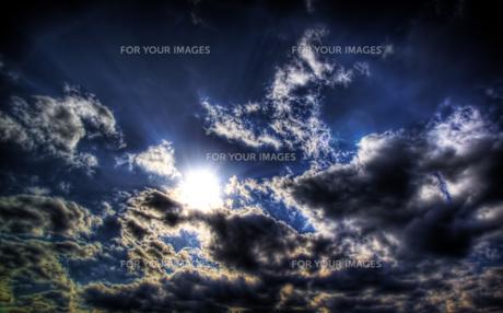 空と宇宙の境目の写真素材 [FYI00316871]