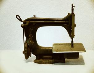 古いミシンの写真素材 [FYI00316948]
