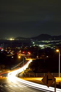 詫間町の夜景と光の帯の写真素材 [FYI00316992]