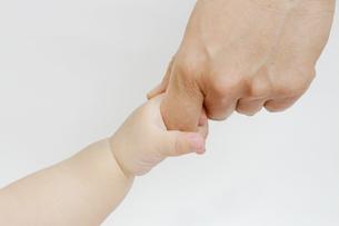 手と手の写真素材 [FYI00317017]