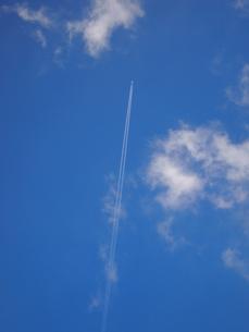 飛行機雲の写真素材 [FYI00317090]