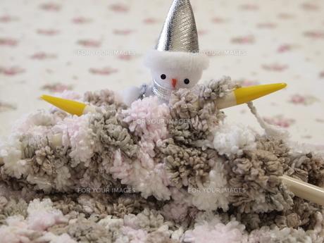 ニットと雪だるまの写真素材 [FYI00317121]