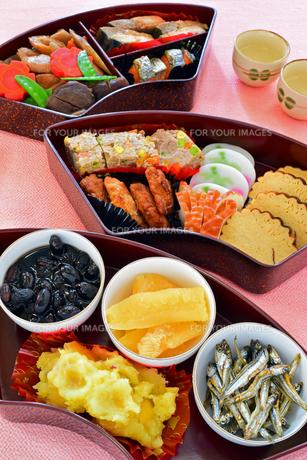 扇のおせち料理の写真素材 [FYI00317785]