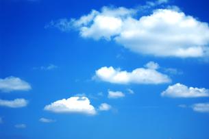立体感のある雲の素材 [FYI00318248]