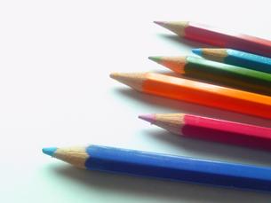 色鉛筆6色の写真素材 [FYI00319656]