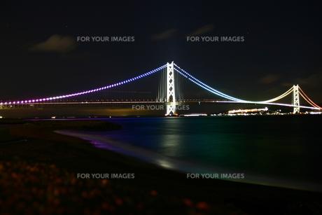光で繋がる明石海峡大橋 の写真素材 [FYI00319797]