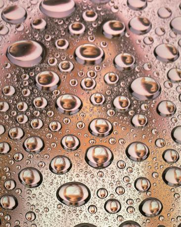 女性と水滴の写真素材 [FYI00319939]