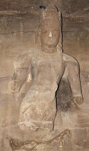 エレファンタ島石窟 シヴァ神殿前の守護神の写真素材 [FYI00320948]