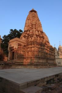 カジュラーホの建造物群 東群のパールシュヴァナータ寺院の写真素材 [FYI00321236]