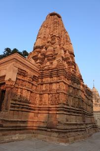 カジュラーホの建造物群 東群のパールシュヴァナータ寺院の写真素材 [FYI00321239]