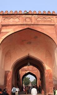 ファテープル・シークリー 宮廷地区公謁殿への門の写真素材 [FYI00321280]