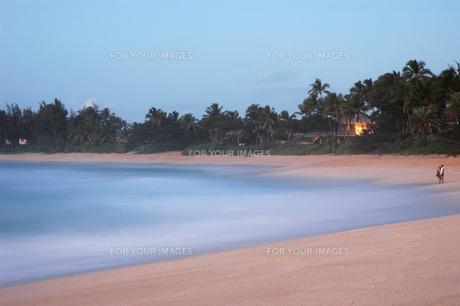 サンセット・ビーチの夕景の写真素材 [FYI00321412]