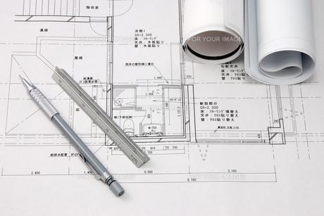 図面とペンの写真素材 [FYI00321523]