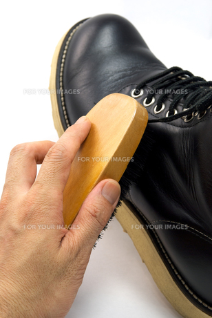 ブーツのメンテナンスの写真素材 [FYI00321533]