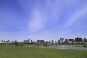 青空と町並の写真素材 [FYI00321591]