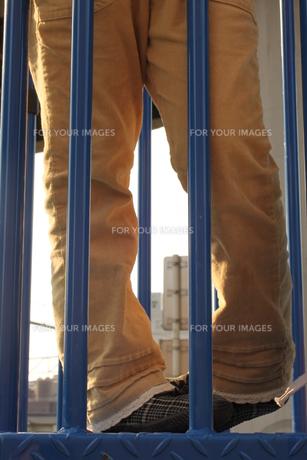 滑り台の上での写真素材 [FYI00321665]
