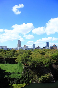 大阪城から望むビジネス街の素材 [FYI00322067]