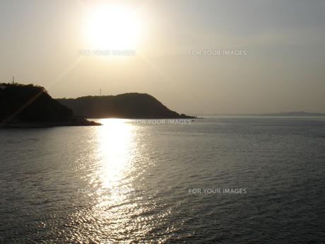 夕日の海の写真素材 [FYI00322649]