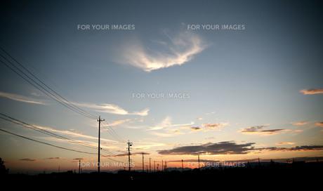 穏やかな夕日の写真素材 [FYI00322720]