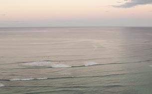 明け方の海の写真素材 [FYI00323006]