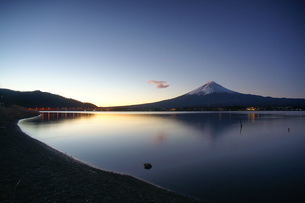 河口湖と富士山の素材 [FYI00324180]