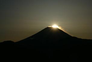 ダイヤモンド富士の写真素材 [FYI00324217]
