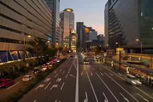 梅田の夕景の写真素材 [FYI00325403]