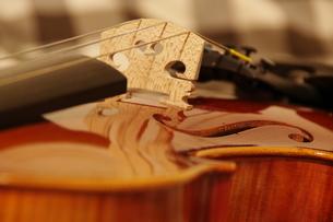バイオリンのアップの写真素材 [FYI00325407]