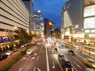 梅田の夜景の写真素材 [FYI00325511]