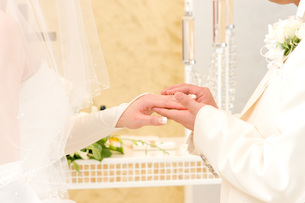 結婚式での指輪交換の素材 [FYI00327739]