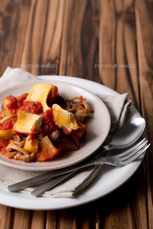 トマトとチーズの写真素材 [FYI00327770]