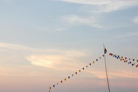 旗と空の写真素材 [FYI00327871]