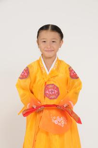 チマチョゴリの女の子の写真素材 [FYI00328061]