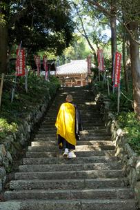 僧侶 参道の素材 [FYI00328078]
