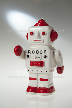 陶器のロボットの写真素材 [FYI00328106]