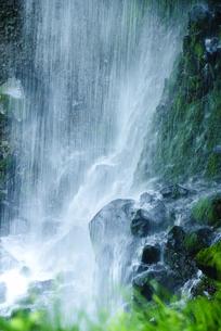 滝の流れの写真素材 [FYI00328156]