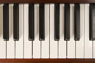 ピアノの鍵盤の写真素材 [FYI00328319]