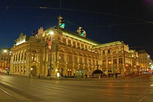 ウィーンのオペラ座の写真素材 [FYI00328840]