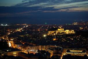 アテネ市外の夜景の写真素材 [FYI00328841]