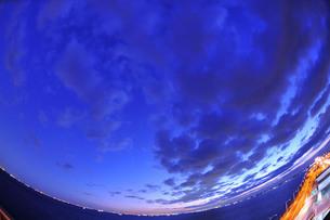 夜明けの青空の写真素材 [FYI00329277]