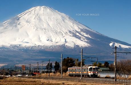 富士山と御殿場線の素材 [FYI00329281]