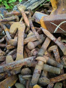 廃線、錆びたボルト犬釘の写真素材 [FYI00329522]
