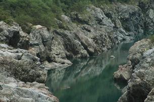 飛騨川の岩の渓谷の写真素材 [FYI00331266]