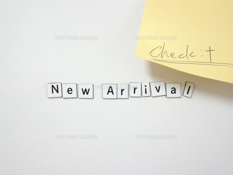 ホワイトボードとマグネットのNEW ARRIVALの写真素材 [FYI00332285]