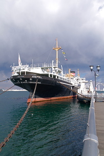 横浜港の氷川丸の写真素材 [FYI00332650]