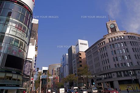 銀座四丁目の交差点の写真素材 [FYI00332694]