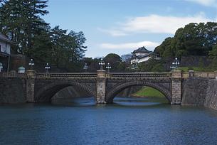 皇居の二重橋の写真素材 [FYI00333389]