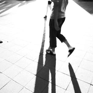 人と影の素材 [FYI00333681]