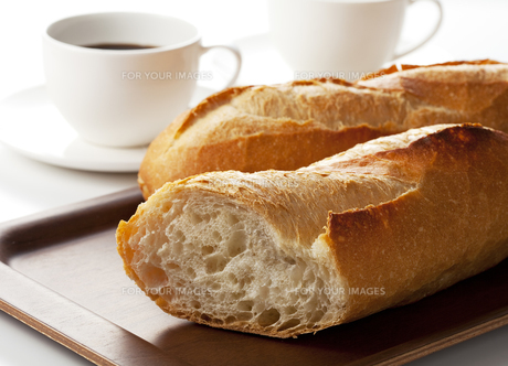 フランスパンの写真素材 [FYI00334215]